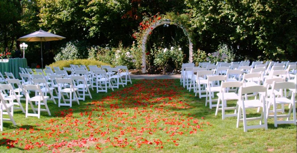 folding chairs outdoor wedding